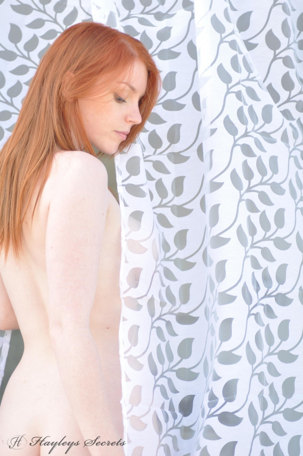 naked-girls-showing-there-ginger-pubes-amateur-porn